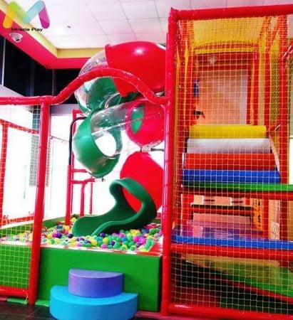 Parques interiores y piscinas de bolas de alta calidad al for Mejor pintura interior calidad precio