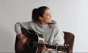 >thisisjustarandomplaceholder<Manuela-Soriano-Te-Compongo-Tu-Canción-01 | Iberian Press®
