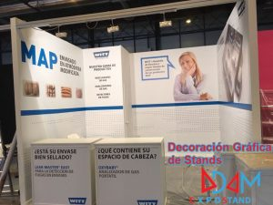 >thisisjustarandomplaceholder<Decoracion-Grafica-de-Stands-Adam-ExpoStand | Iberian Press®