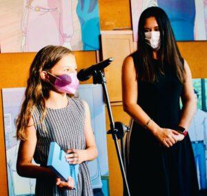 >thisisjustarandomplaceholder<La-nina-Emma-Sicre-Guillamon-premio-LA-LITERATURA-ES-FEMENINA-por-su-relato-La-historia-de-Nerea-con-Dulce-Xerach-directora-del-proyecto | Iberian Press®