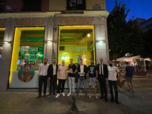 >thisisjustarandomplaceholder<Foto-1-Burger-de-Oro-Premio-Mostaza-Green-Burger   Iberian Press®